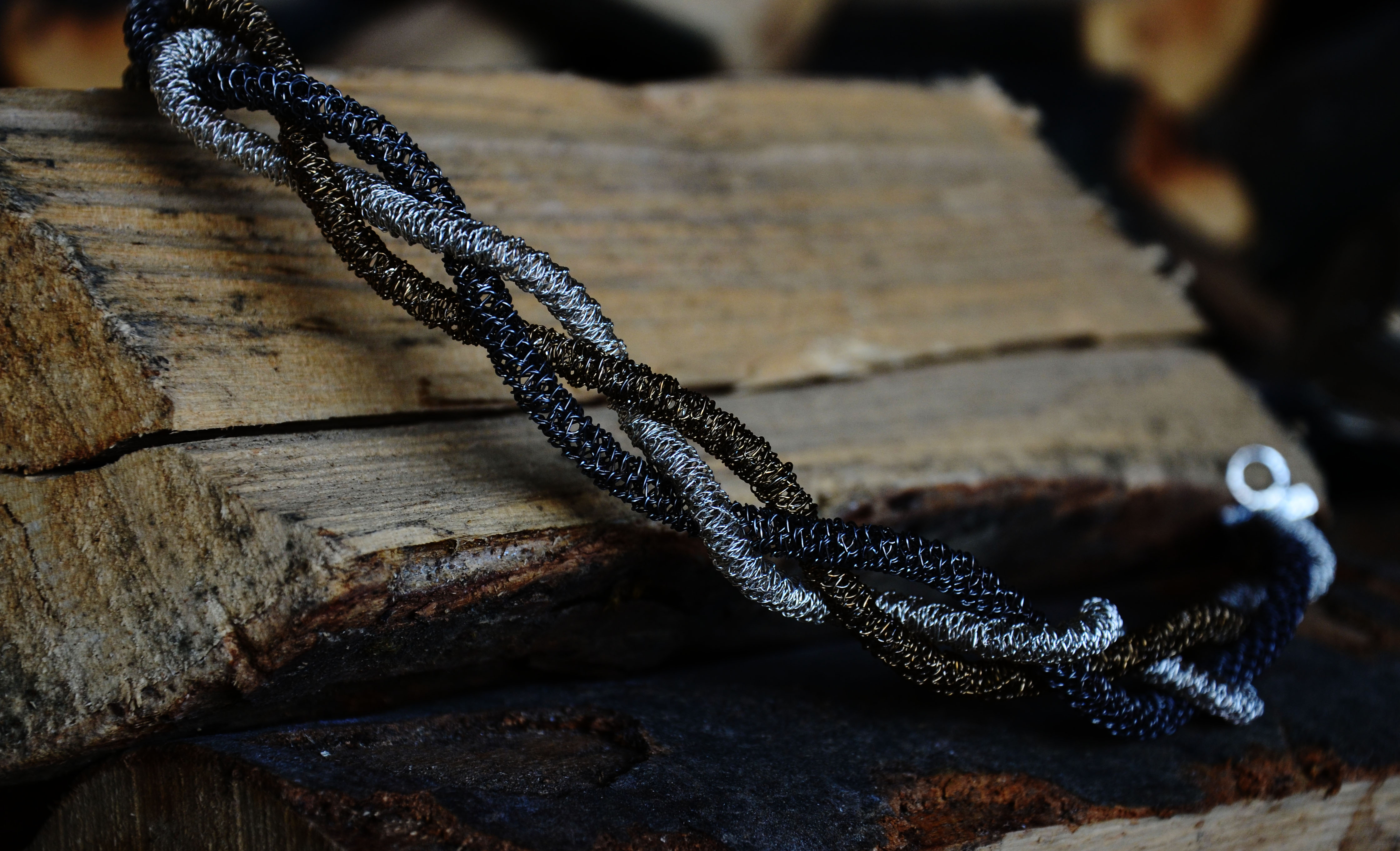 INTRECCI - necklace TR - sezioneR